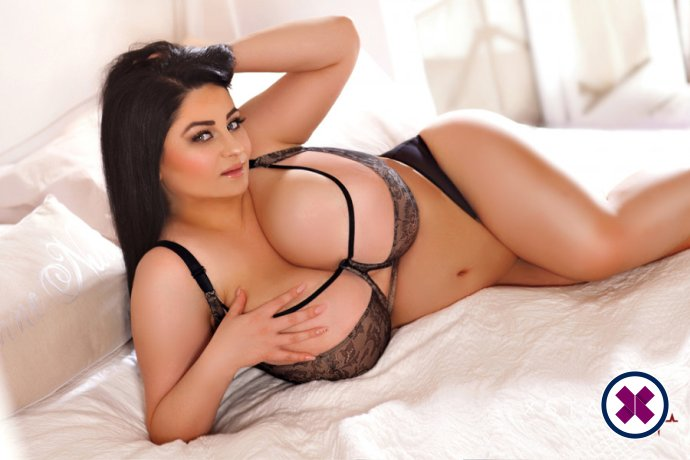 Amisha is a high class Romanian Escort Westminster