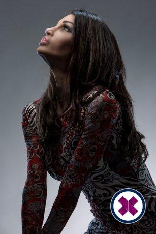 Få pusten tatt fra deg med Ameerah TS massage, en av de toppgivende massørene i Westminster