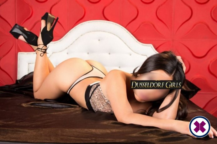 Nicole is a hot and horny Italian Escort from Düsseldorf