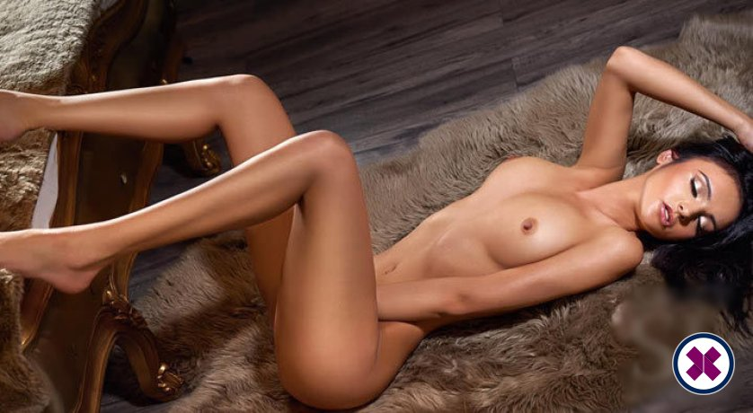 Maria is a sexy Spanish Escort in London